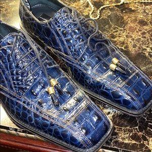 Men's Navy blue shoes